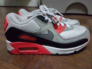 Authentic Nike Airmax (size 1Y)