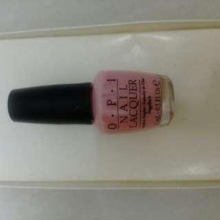 OPI 粉紅色指甲油