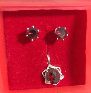 Garnet Diamond Pendant & Earrings