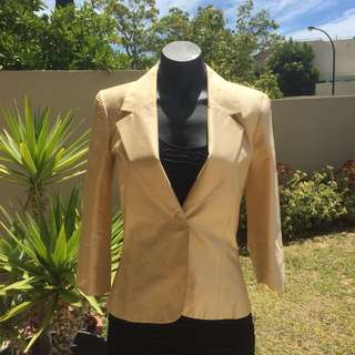 (S) TABLE EIGHT SOFT YELLOW BLAZER