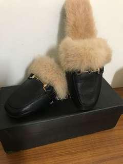 🚚 絨毛拖鞋