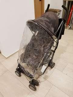 Maclaren stroller with rain cover