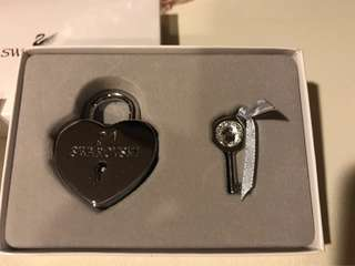 Swarovski lock 🔐 with key - BNIB