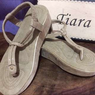 Tiara Shoes
