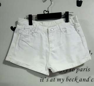 White Maong Short