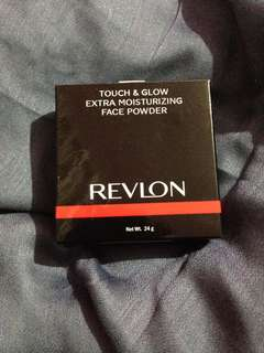 Revlon Touch & Glow Moisturizing Face Powder