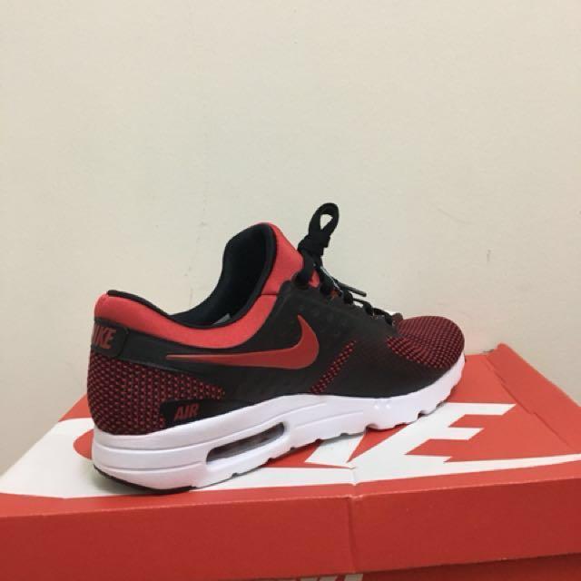brand new d7377 8d950 Auth Nike Airmax Zero Essential (Men)