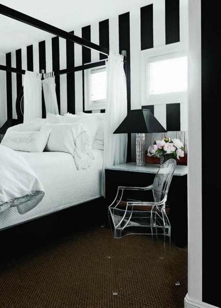 Black white stripes wallpaper rumah perabot home décor di carousell