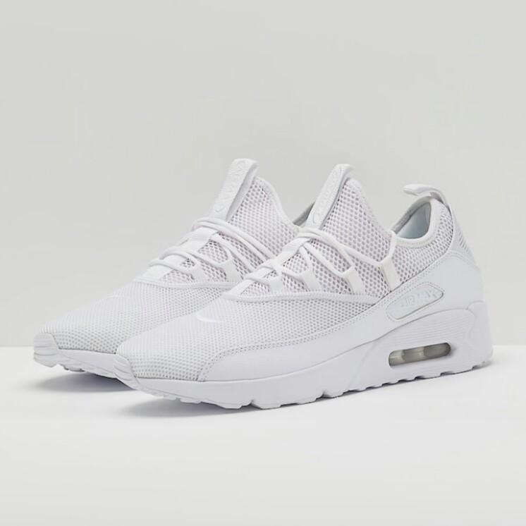 cheap for discount 387b0 c6f3f Nike Air Max 90 EZ, Men s Fashion, Footwear, Sneakers on Carousell