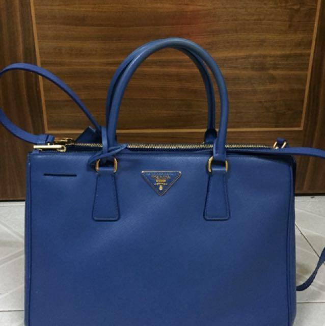 52844182d66a Prada Saffiano Double Zip Executive Tote Blue Royal Prada手袋殺手袋 ...