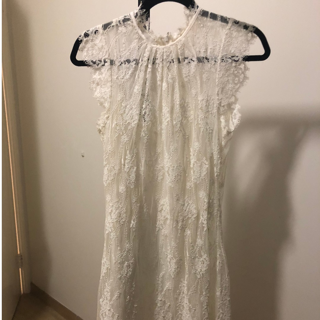 6540374a8 Witchery White Lace Dress, Women's Fashion, Clothes on Carousell