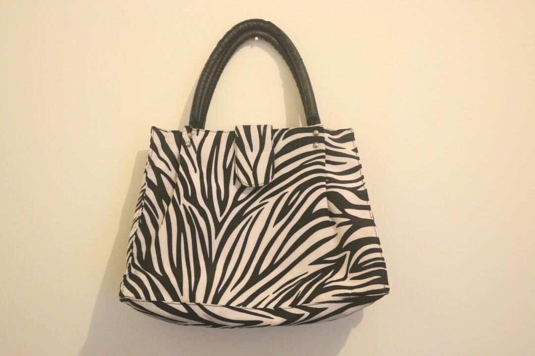 DISKON Tas wanita cewek branded handbags Charles n Keith CK Ashanty Black. Source · REPRICE Zebra Print Handbag (Tas Motif Zebra), Women's Fashion, ...