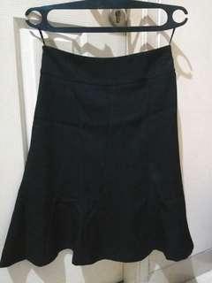 Rok hitam formal (maxi)