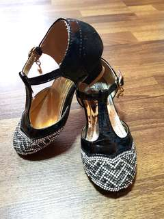 Preloved girls' black court shoe