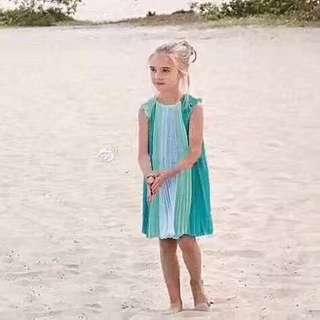 ~Chloe兒童連衣裙 簡約大氣的設計風格,上身超級的漂亮,純進口高端雪紡面料,上身非常的軟和超級舒服。