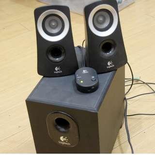 Logitech Z313 2.1 25 Watts Speaker System (Black)