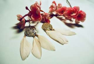 Lovely pink feather earring