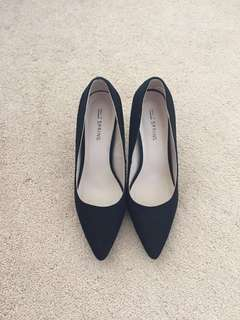 Black Spring Shoes [size 7]