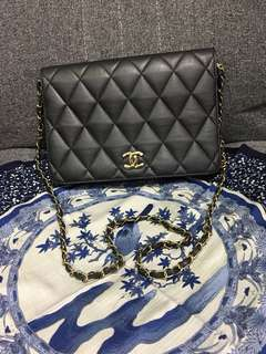 VINTAGE CHANEL CLUTCH WITH CHAIN