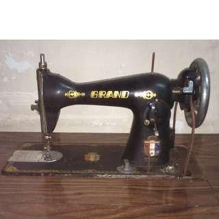 vintage 古董腳踏衣車 Grand Sewing Machine G.B. 連衣車枱 木部份有爛 (pic.4)