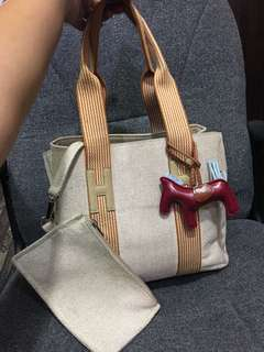 HERMES Tote style