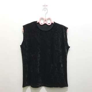 black | velvet | muscle tee