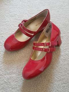 Brand new girls red heels-size 1.5 youth