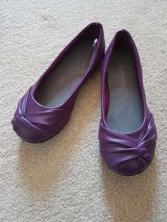 Brand new girls purple flats-size 1
