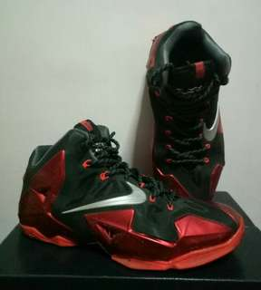 Nike Lebron XI/11 Red & Black Basketball Shoes
