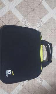 EY Hand-Bag