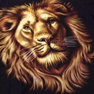 Vintage retro old school lion print t shirt