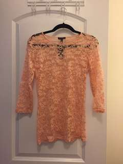Dynamite peach lace top