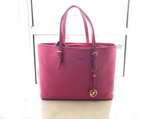 Michael Kors jet tote large - hot pink colour