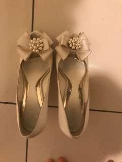 White wedding shoes/ kasut akad nikah #ramadan50