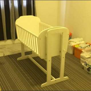 Baby cot / cradle swing