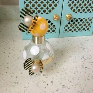 Honey Marc Jocabs perfume bottle
