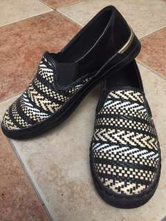 Tribal shoes by New Look. Kondisi 95%, baru 2x pakai