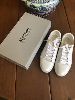 Kenneth Cole White Sneakers (Auth, size 7)