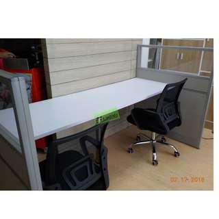 SEATER WORKSTATIONS WITH PARTITIONS (FABRIC WITH GLASS)
