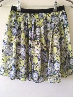 UNI QLO floral skirt