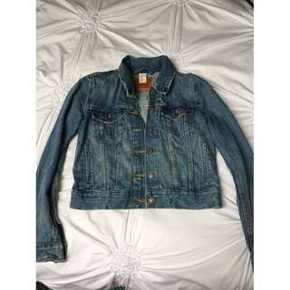 Aritzia Levi Jean Jacket- Size Small PRICE DROP