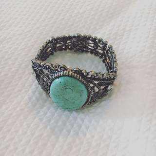 Turquoise & Silver Bangle •