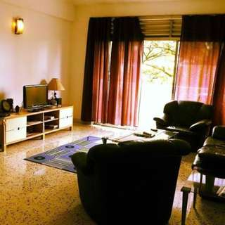 $1000  - Big Common Room in Orchard MRT  - no agent fees no owner (247856)