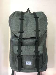 Selling this Herschel (class A) for very affordable price! Bought this in HK para meron akong extra luggage sa mga dadalhin ko. ☺️ Note: used only once