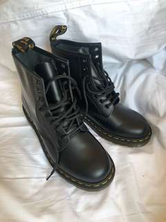 BRAND NEW Doc Marten Boots Size 8