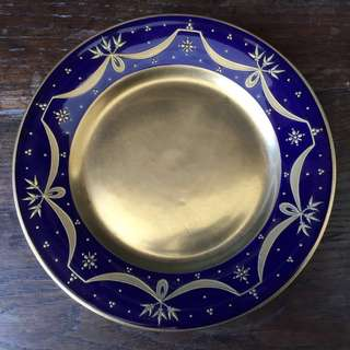 1900's -1930's Antique Limoges Porcelain Dinner Plates (6pcs), 10 Cups and 11 saucers. Raised Gold Encrusted & Cobalt Blue Borders!!