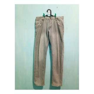 Celana Panjang Jeans size 34 abu-abu
