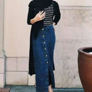 Looking for this long denim skirt!