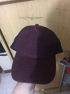 topi preloved merah maroon