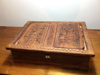 Handcrafted Inidian Wooden Box (蓋子可變書架)